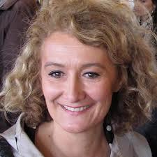 En Août 2009, à l'initiative de Karin Tourmente-Leroux, et de femmes élues telles que Sophie Auconie, Députée européenne de la région Centre-Massif Central, Catherine Morin-Desailly, Sénatrice de la Seine-Maritime, Mireille Benedetti, Conseillère régionale PACA, Brigitte Fouré, Conseillère générale de la Somme, se sont réunies afin de créer le club de réflexion Femmes au Centre.