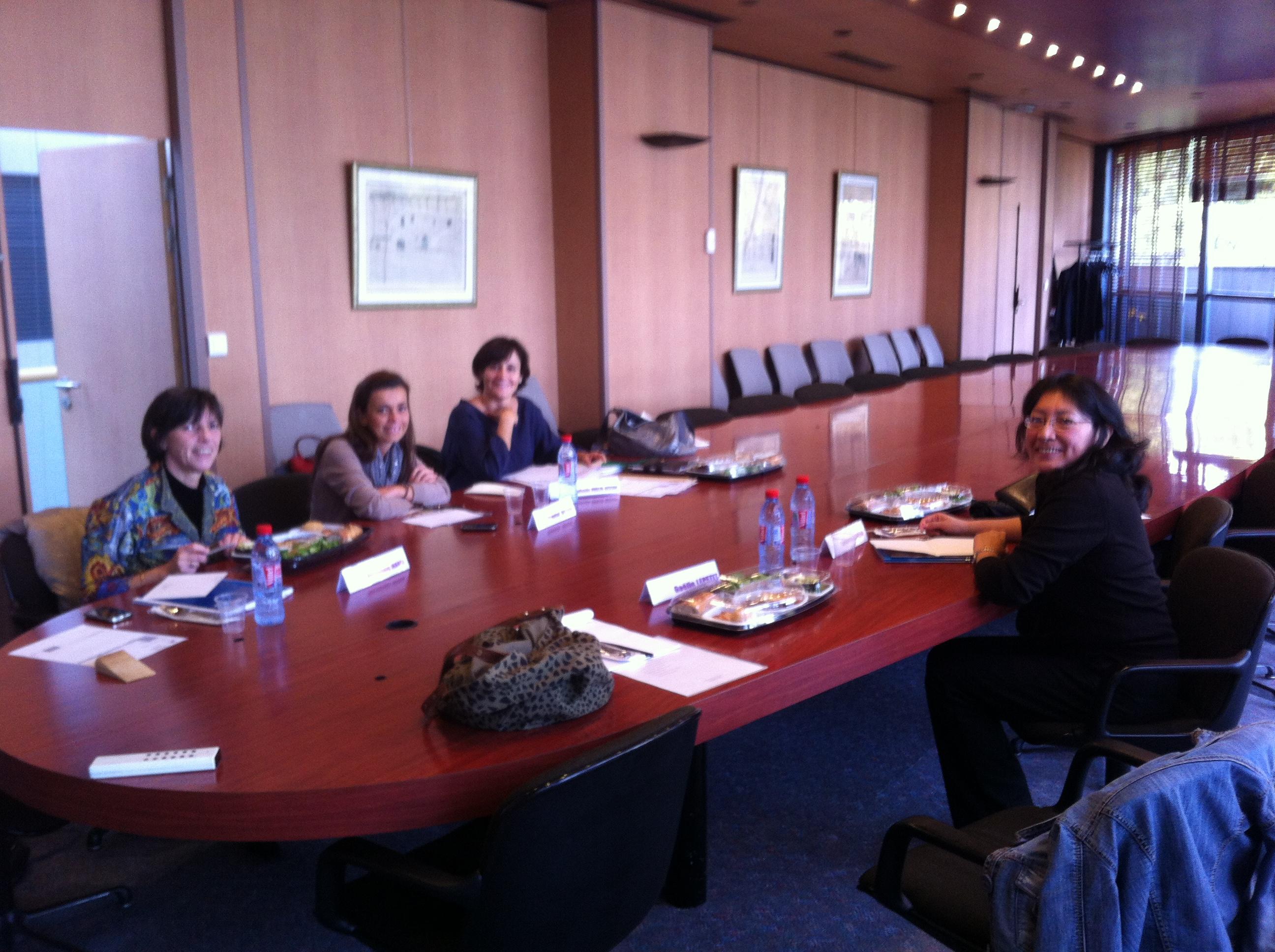 Tous les membres de la Commission n'étaient pas présents, voivi néanmoins, de g. à droite : Véronique Marol, Chantal Quesne, Stéphanie Hublin-Besson et Carmen Zelada.